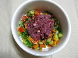画像1: 2010.9.3 馬肉とトマトのタコライス風サラダ